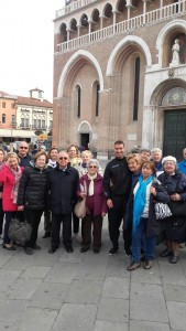 Davanti alla basilica di Sant'Antonio